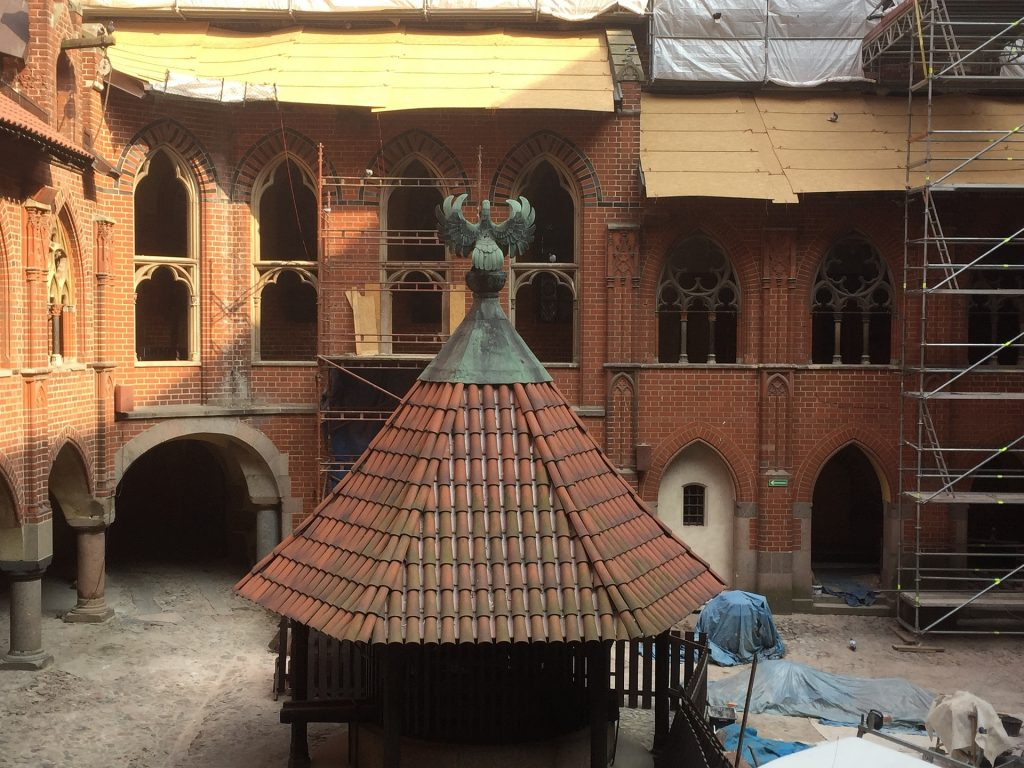 Reconstruction works of the courtyard of Malbork Castle