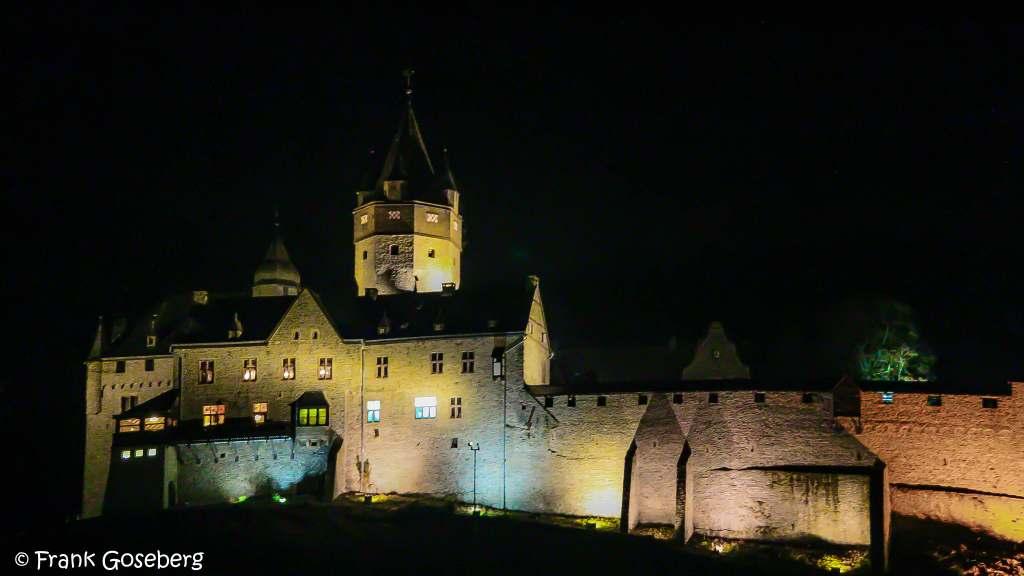 Altena Castle's closer view at night.
