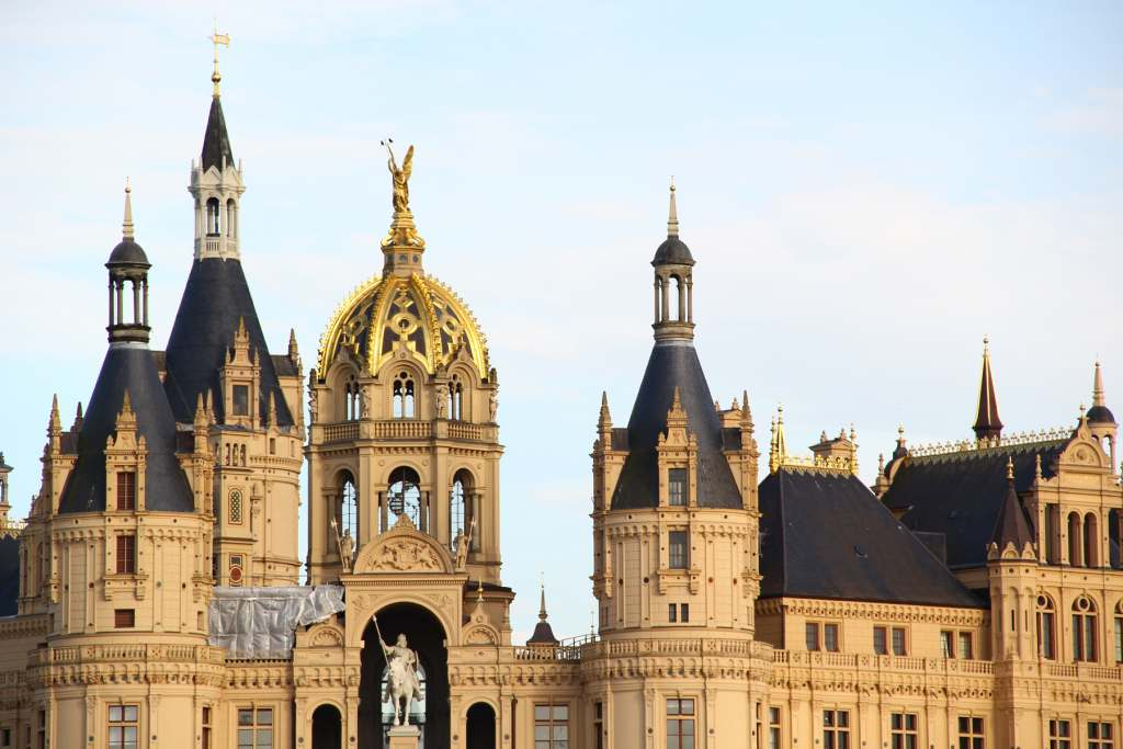 A closer view of the details and architecture of the Schwerin castle