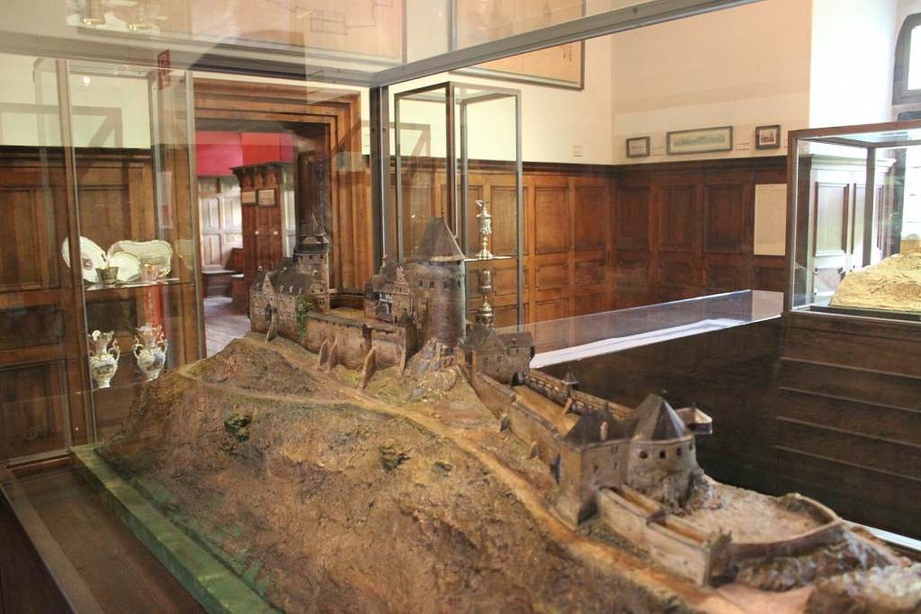 Some part of the Altena Castle Museum displaying a miniature of the castle.