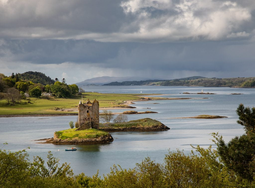 A panoramic view of Castle Stalker.