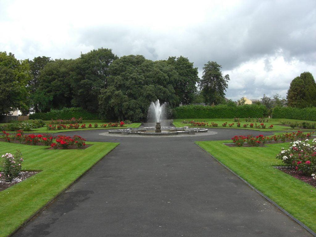 Kilkenny Castle's beautiful rose garden surrounding the fountain.